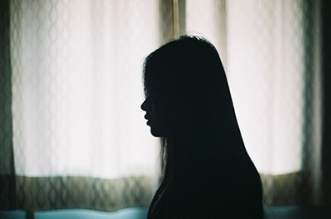 Photo of a woman's silhouette by Chen Xiao Qi https://www.flickr.com/photos/angus88/8678944736 ; CC BY-SA 2.0